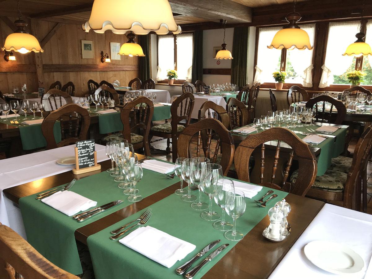 Chateau Poivre Restaurant  Paris